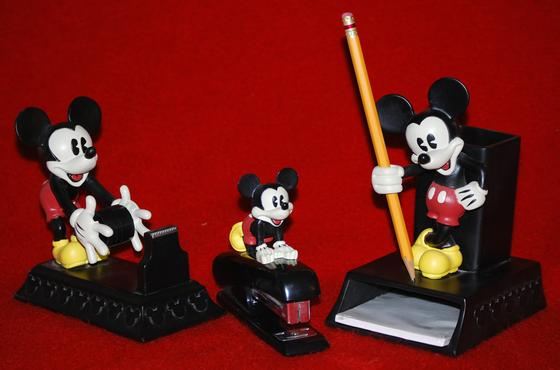 Mickey Mouse Desk Set